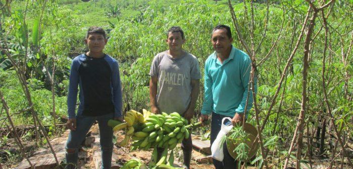 Secretário de Produção e Abastecimento visita Aldeia Piauí